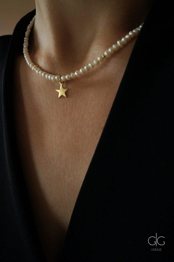 Delicate small pearl and star necklace   GG UNIQUE