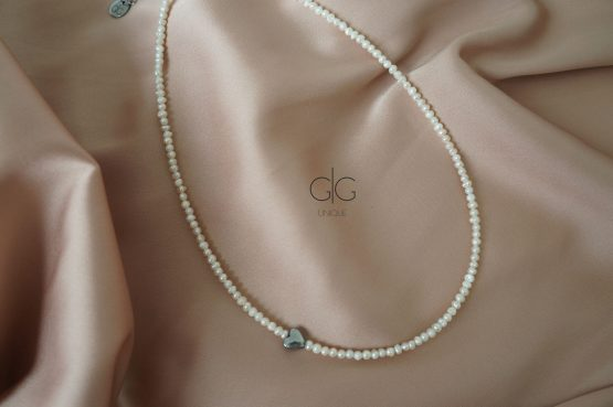 Small pearl necklace with a silver heart - GG UNIQUE
