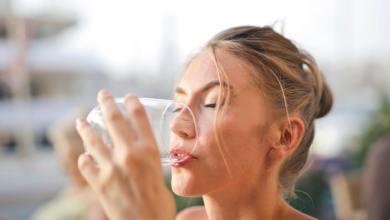 صورة 5 حالات تجنبي فيها شرب الماء