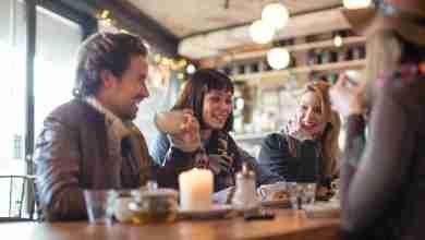 """صورة 5 نصائح لإتقان """"إيتيكيت"""" الجلوس في المقهى"""