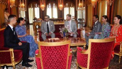 صورة خلال حفل شاي بالقصر الملكي.. ميغان ميركل تفاجئ المغاربة بطلتها