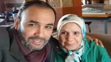 صورة بعد دفعه لها.. الفايسبوكيون يدفعون رشيد الوالي للإعتذار من سعاد صابر