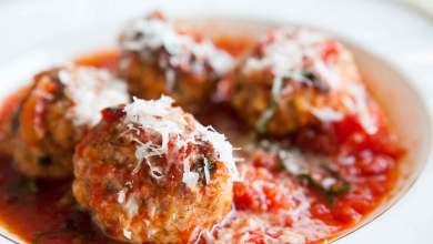صورة مطبخ غالية: طريقة تحضير كرات الكفتة بالبيض مع صلصة الطماطم