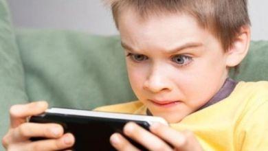 صورة 4 أسباب تجبرك على حرمان طفلك من الهواتف الذكية