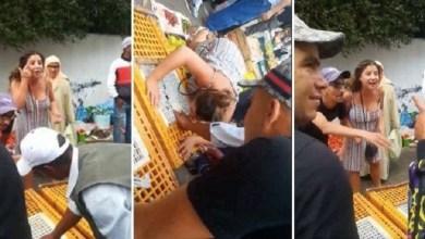 صورة إنجليزية مصدومة من حبس دجاج في قفص.. مصدر أمني يكشف تفاصيل فيديو السائحة