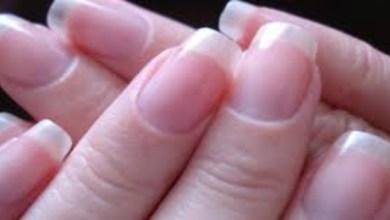 """صورة بسبب """"كورونا"""".. خبراء ينبهون السيدات لخطورة تطويل الأظافر"""
