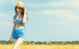 دراسة: لماذا تتعمد النساء إرتداء الملابس المثيرة؟