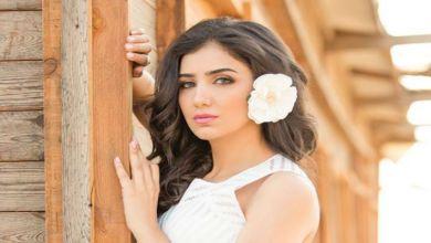 صورة الفنانة المصرية مي عمر تستعين بشاحنة لنقل فستان