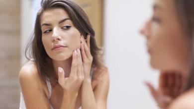 صورة أضرار الإستخدام اليومي لمستحضرات التجميل على الصحة والبشرة