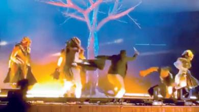 صورة بالفيديو: فرقة موسيقية تتعرض للطعن على المباشر