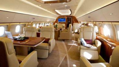 صورة ضبط أسلحة ومخدرات في طائرة خاصة بفنان عالمي