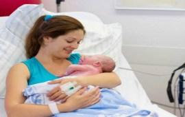 كم من الوقت يجب أن تنتظري للحمل مجددا بعد الولادة القيصرية؟