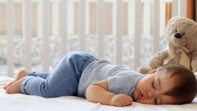 صورة تعرفي على عدد ساعات نوم رضيعك في أسابيعه الأولى