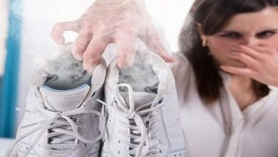 صورة أسهل طريقتين لتنظيف الأحذية من الروائح الكريهة