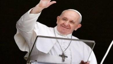 صورة بسبب صورة مثيرة.. البابا فرنسيس في ورطة كبيرة