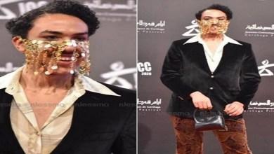 صورة فنان عربي يرتدي ملابس نسائية في مهرجان قرطاج السينمائي – فيديو