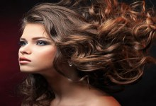 صورة وصفات طبيعية وعادات يومية لتطويل الشعر