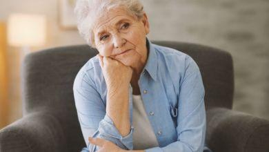 صورة أعراض انقطاع الدورة الشهرية في سن الخمسين