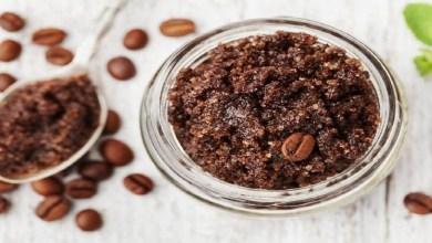 صورة سهلة التحضير.. 3 وصفات بالقهوة لتقشير الجسم