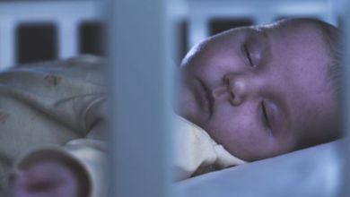 صورة 5 طرق تساعد رضيعك على النوم في الليل