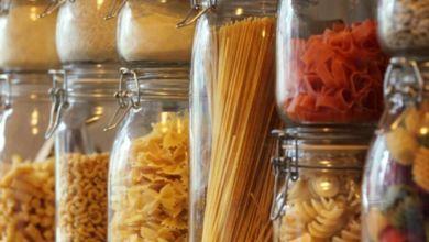 صورة كيف تحتفظين بالمواد الغذائية لأطول مدة في خزانتك