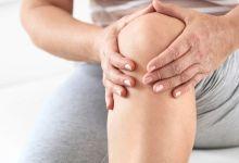 صورة أسباب ألم الركبة وعلاجها من مطبخك