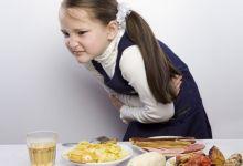 صورة أعراض تدل على اصابة طفلك بحموضة المعدة