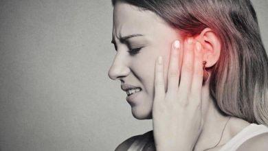 صورة طرق منزلية لعلاج الآلام المصاحبه لالتهاب الأذن