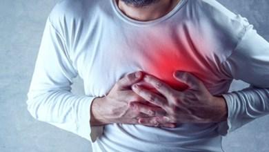 صورة إعلامي شهير يتعرض لأزمة قلبية