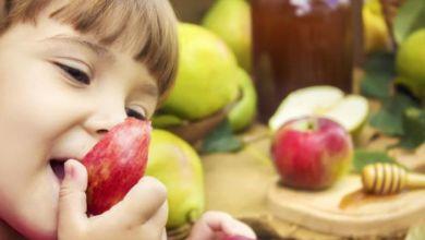 صورة تعرفي على فوائد التفاح لطفلك