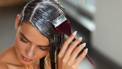 صورة خلطات لتنعيم الشعر الجاف كالحرير