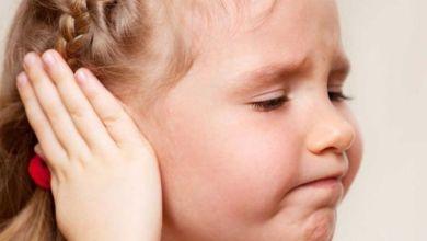 صورة أسباب وأعراض وعلاج الفطريات خلف الاذن عند الأطفال