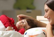 صورة مع اقتراب الدخول المدرسي.. 12 نصيحة لإقناع طفلك على النوم مبكرًا