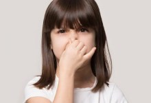 صورة هل انبعاث رائحة كريهة من مهبل الطفل انذار خطيرا؟