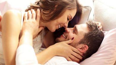 صورة كيف يمكنكم تعزيز رغبتكم الجنسية وزيادة متعتكم في العلاقة؟
