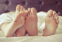 صورة هل العلاقة الحميمة مرّة أسبوعياً كافية للزوجين؟