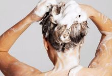 صورة تجنّبوا غسل الشعر قبل النوم.. لهذا السبب!