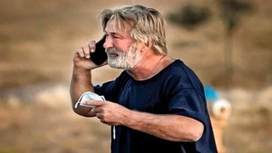 صورة أول تعليق لأليك بالدوين بعد إطلاقه الرصاص على مديرة تصوير