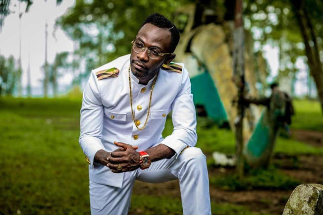 We are inspired by this throwback photo of Okyeame Kwame