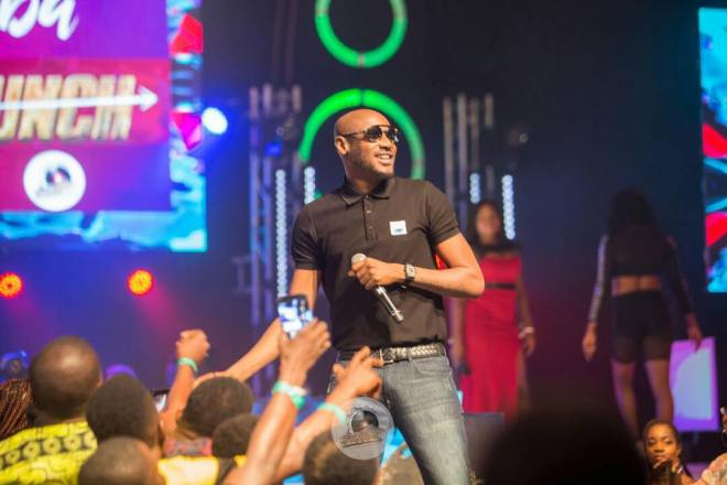 2Face performing at Menzgold, Zylofon Media Naija Invasion Concert