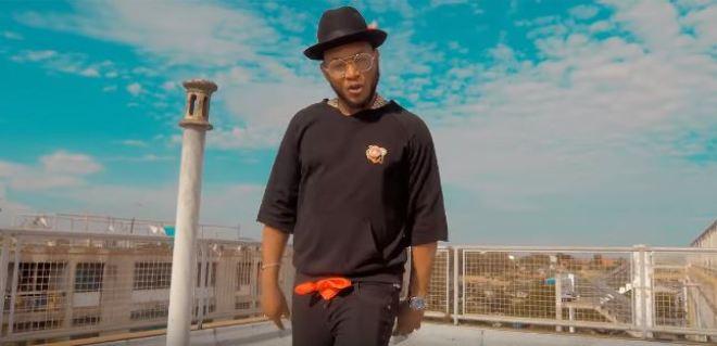 Nana Boroo in Dada Naa music video