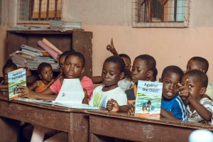 Portia Arthur engages kids at The Reading Hub; preaches the importance of reading