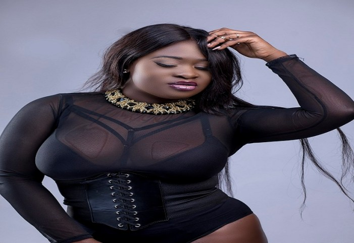 (Video) Sista Afia Sings for Ebony