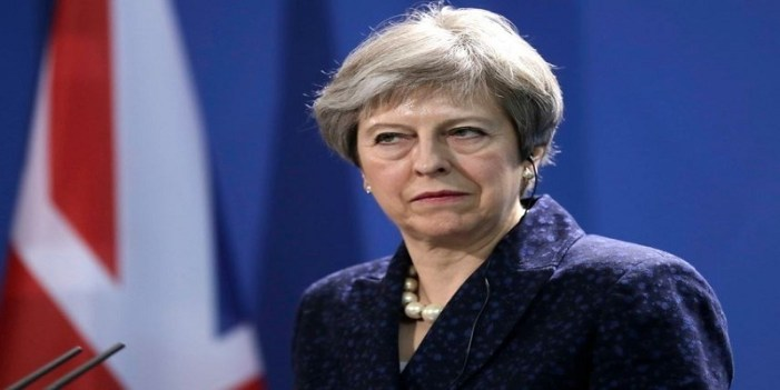 Theresa May calls for new deal with EU on Irish border