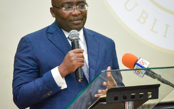 Bawumia's touted economics prowess in doubt as worsening economy gives Akufo-Addo nightmare