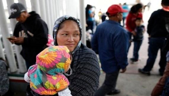 Militia detains migrants at gunpoint along the US-Mexico border