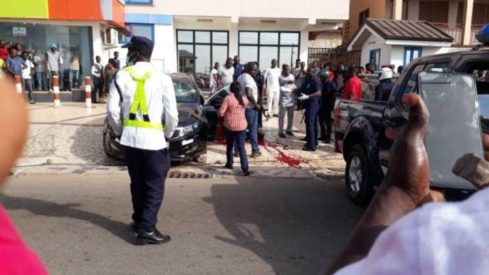 Driver shoots painter, then shoots himself to avoid mob attack