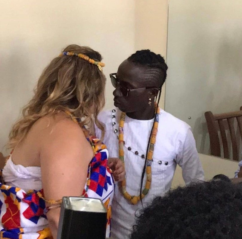 Patapaa And His Just Wedded Wife Liha Miller Involved In An Accident (Video + Photos)