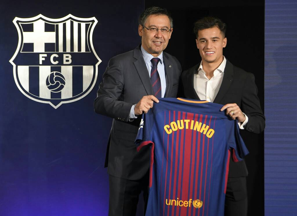 Look away, Liverpool fans! Luis Suarez welcomes Philippe Coutinho to Barcelona