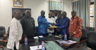 Rosewood Committee presents report to Lands Minister
